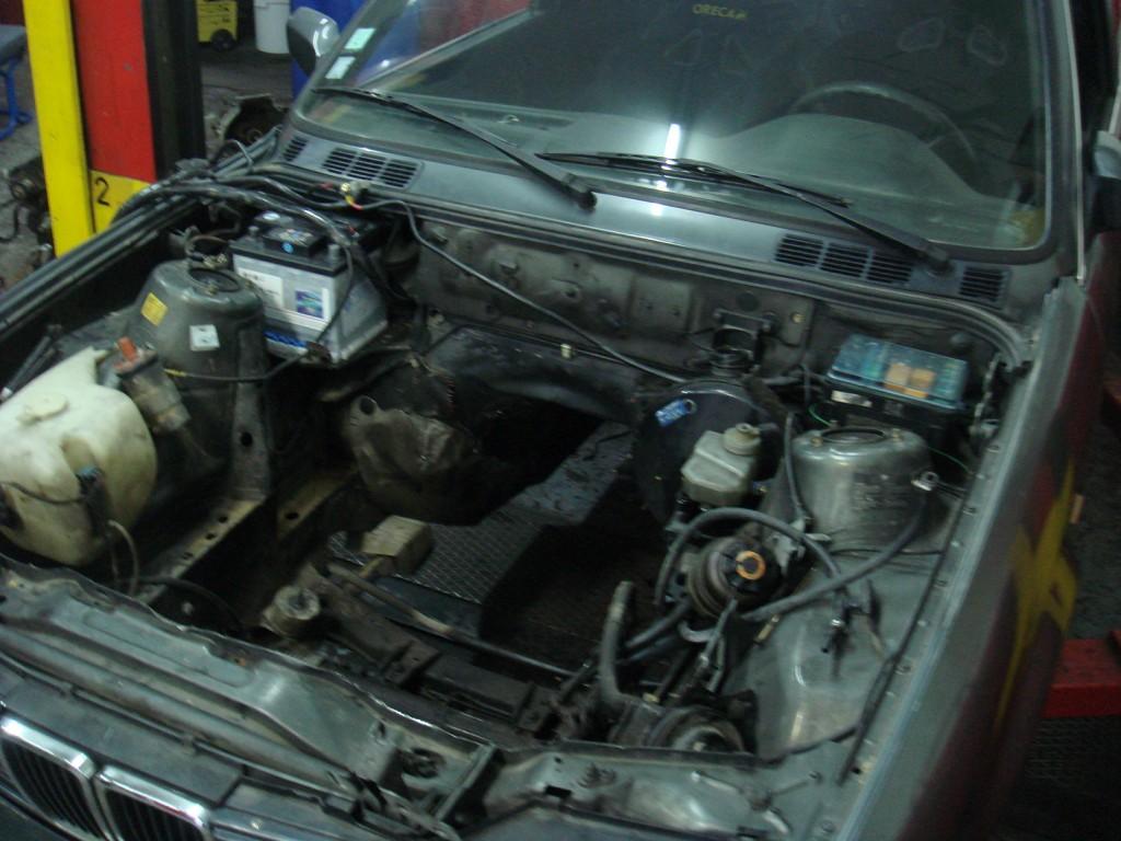 bmw 320i e30 (swap moteur 325i, preparaton piste, drift) | impact auto